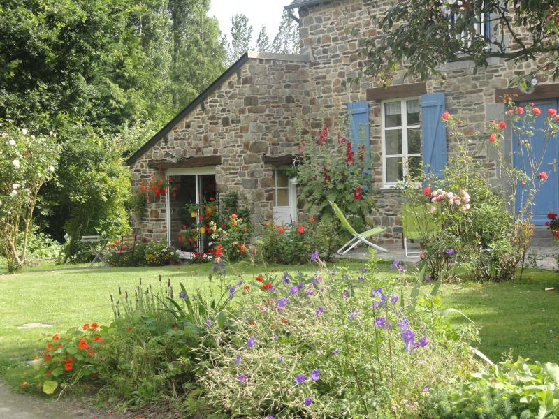 Studio entre St Malo et Mont St Michel !, holiday rental in Roz-Landrieux