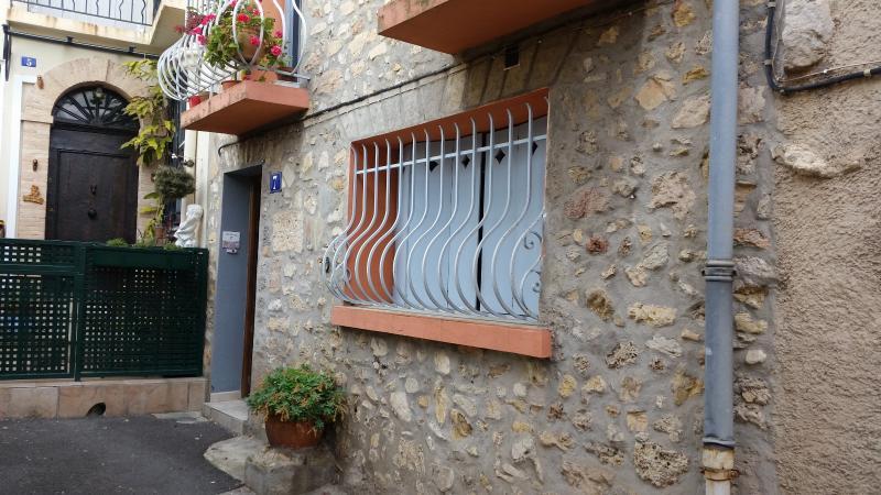 Charmant studio vieux village proche Cannes, casa vacanza a Le Cannet