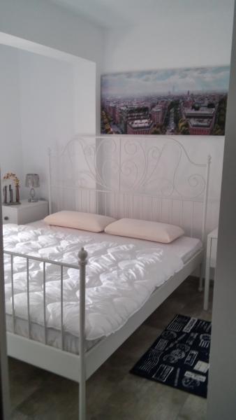 2d bedroom
