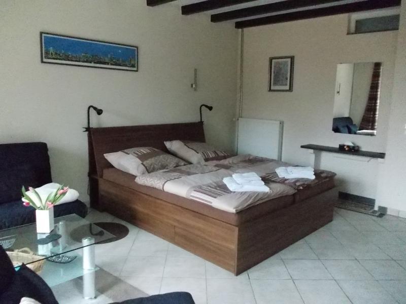 Double bed 1.80 x 2.00 meters