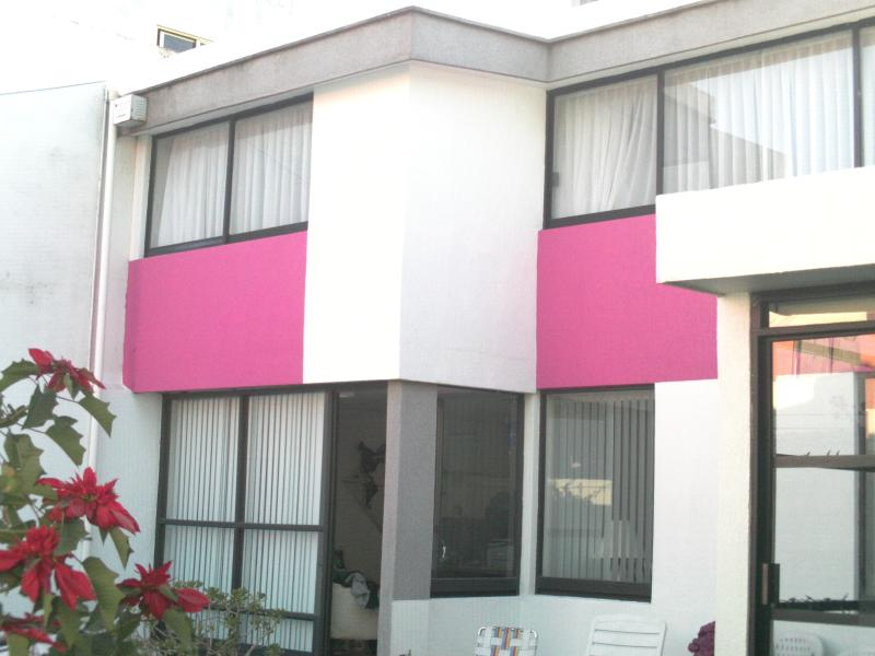 RESIDENCE WELL LOCATED, MODERN, COMFORTABLE, holiday rental in Cholula