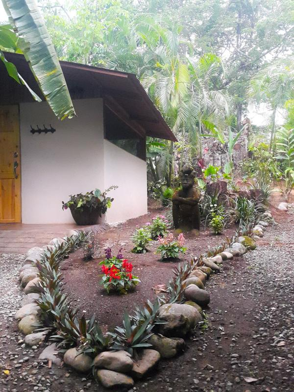 Villa Toucan: the room is surrounded by the gardens