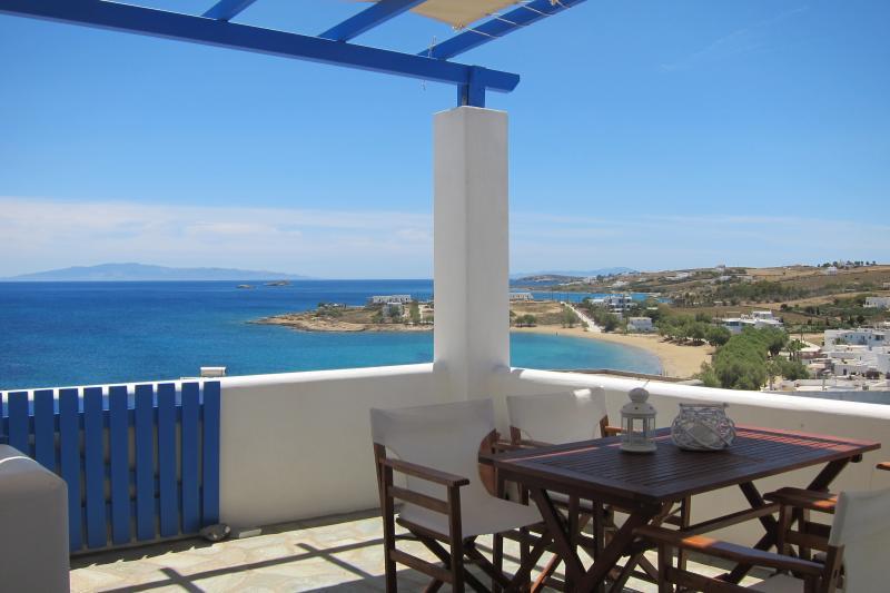 Poseidon house in 'Cleopatra Homes' 1min from Logaras sandy beach, holiday rental in Piso Livadi