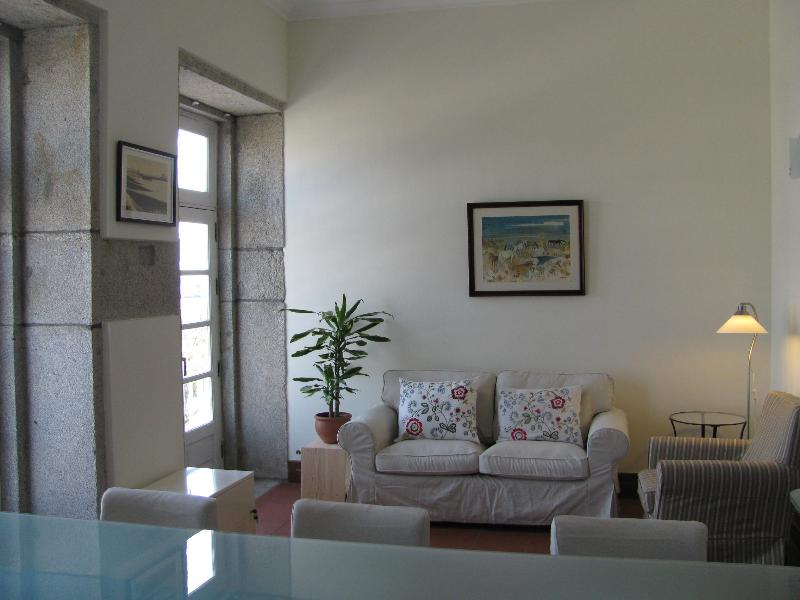 Apartment in Historic Centre, facing River Lima, holiday rental in Viana do Castelo