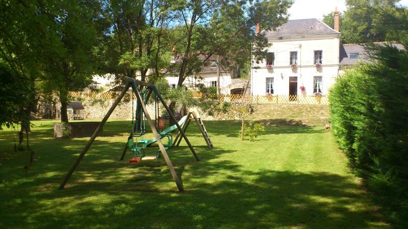 Les Renaudières, holiday rental in Rigny-Usse