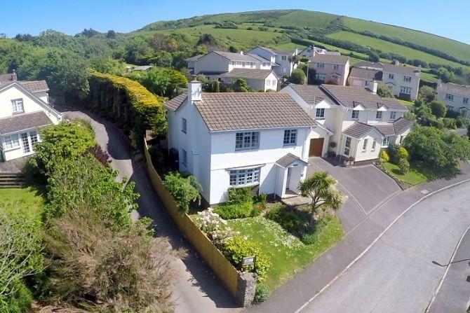 CROYDE WHITE HOUSE | 4 Bedrooms, holiday rental in Braunton