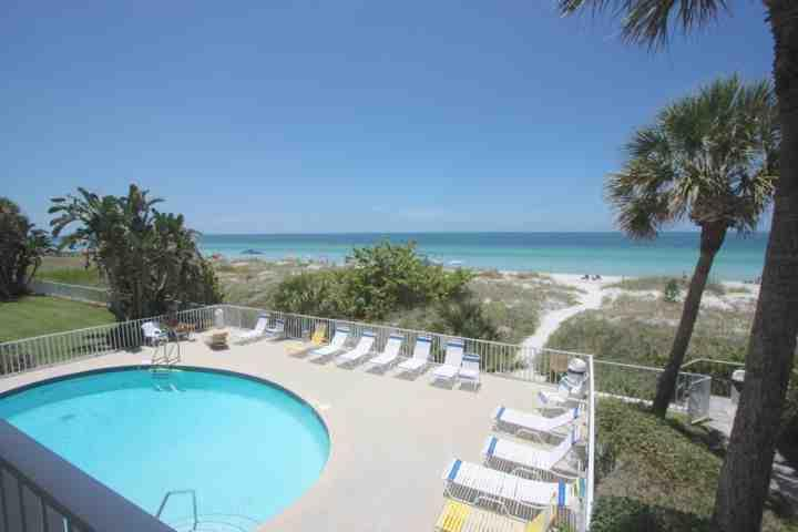 Hamilton House, 2 Bedroom/2 Bathroom Oceanfront Condo- Indian Rocks Beach, FL