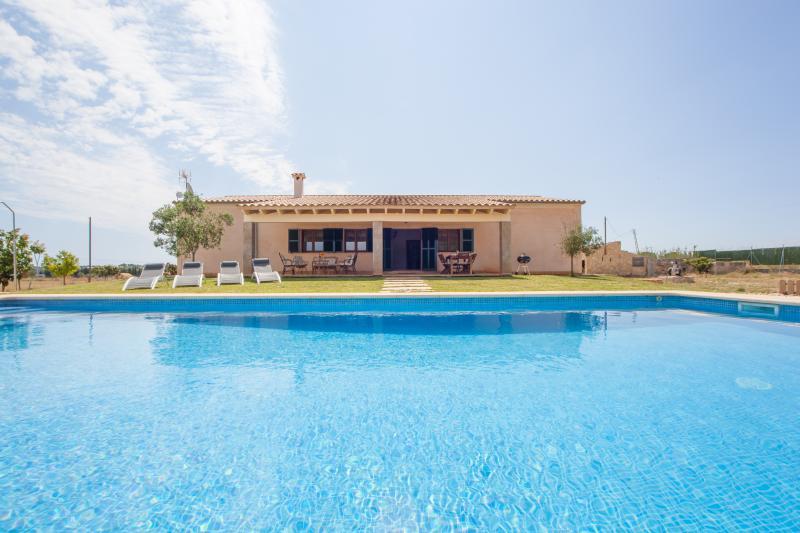 S'ESTACIO - Villa for 7 people in MURO, holiday rental in Muro
