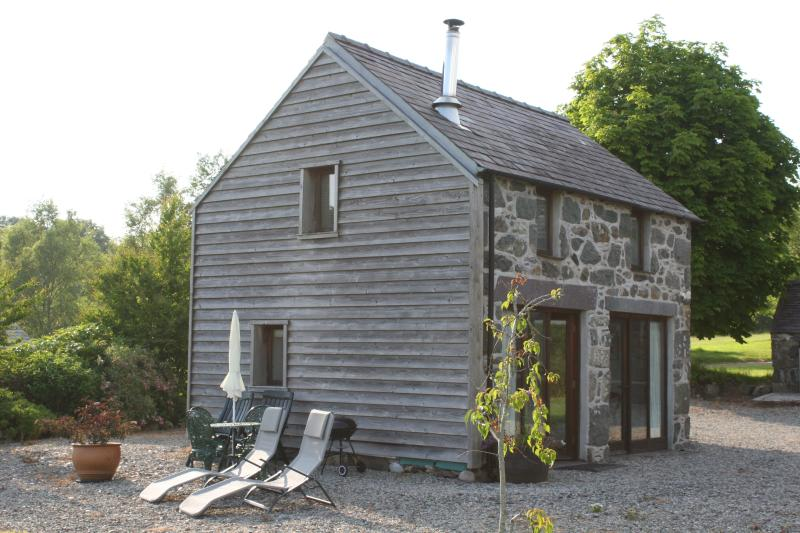 The Coach House. Beautiful countryside and perfectly positioned to explore the Llyn Peninsula.