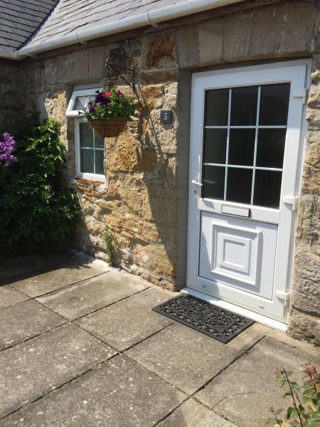 3 Glantraeth Farm Holiday Cottage, holiday rental in Llangaffo