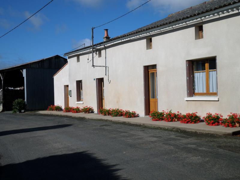 Gîte  à genneton, vacation rental in La Chapelle-Gaudin