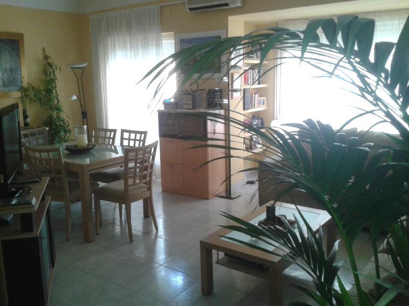 PISO EN MERCADO CENTRAL ALICANTE, casa vacanza a Sant Vicent del Raspeig