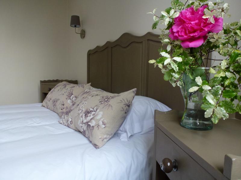 Bedroom 1 160x200