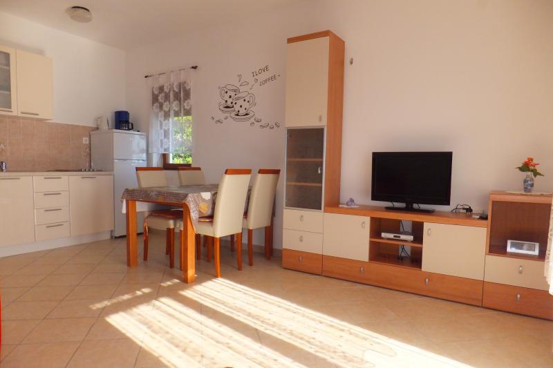 Apartment 3 - Apartmani Justić, casa vacanza a Rab Island