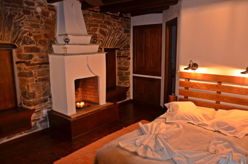Fyloma Room No3 - Traditional Guest House, vacation rental in Platanias