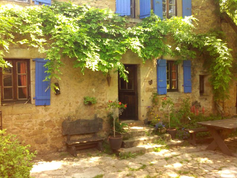 Ecogite à la ferme, holiday rental in La Bastide-l'Eveque