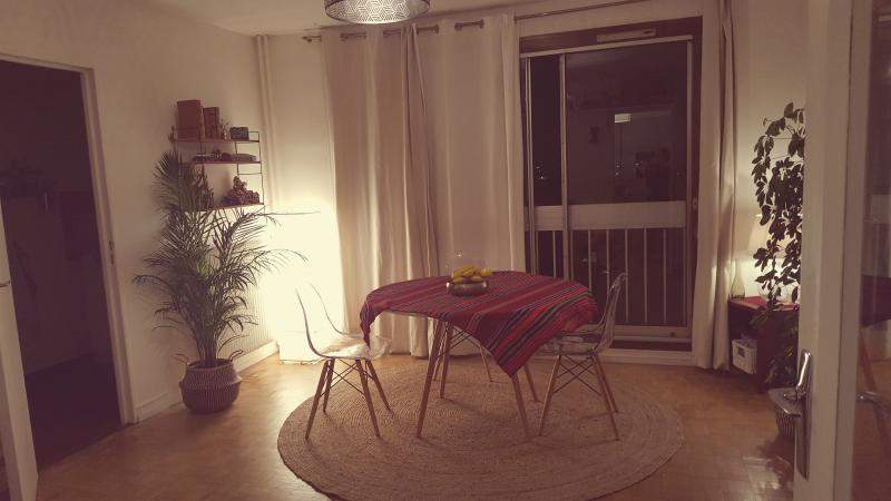 Charming Studio close to Paris/Stade de France, aluguéis de temporada em La Courneuve