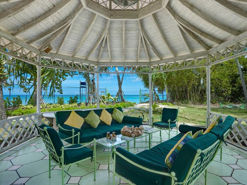 Nelson Gay, Speightstown, St. Peter, Barbados - Beachfront, holiday rental in Six Mens
