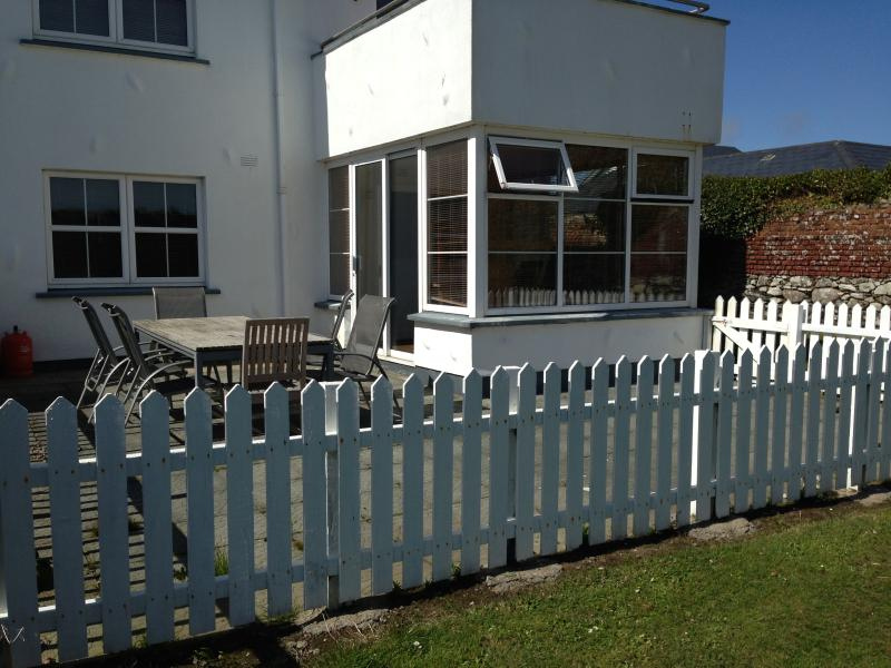 3 Bed St.Helens Rosslare - r- fully equipped property - everything you need to enjoy a good holiday.