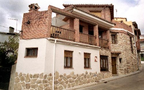 Casa Rural de alquiler completo en Piedralaves, holiday rental in Province of Avila