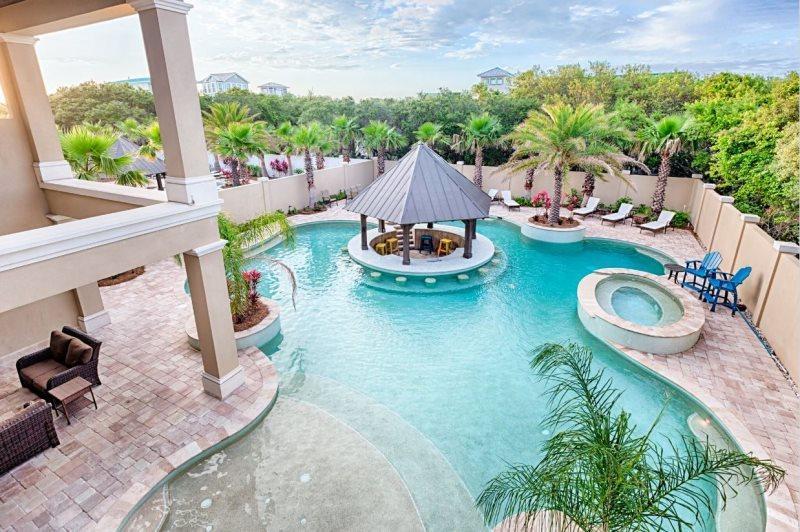 Luxury Private Pool with Gazebo Bar
