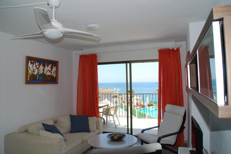 Precioso apartamento con vistas a la playa, alquiler de vacaciones en La Herradura