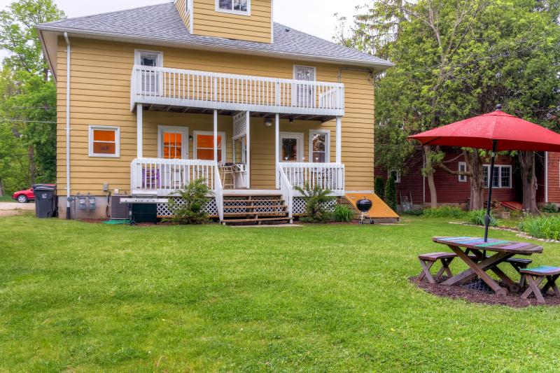 This unit makes up half of a well-appointed duplex with a shared yard.