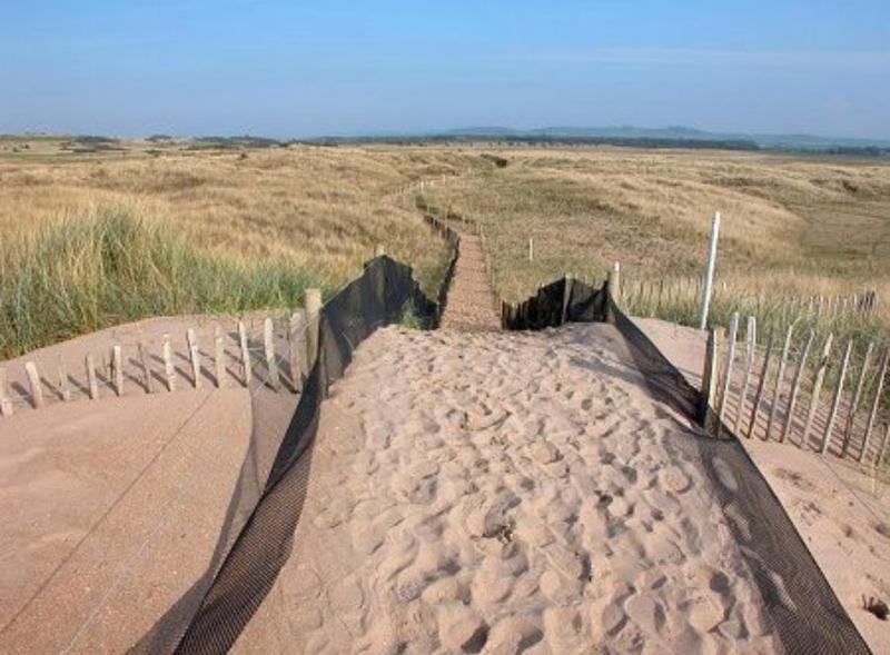 Path to Luffness beach
