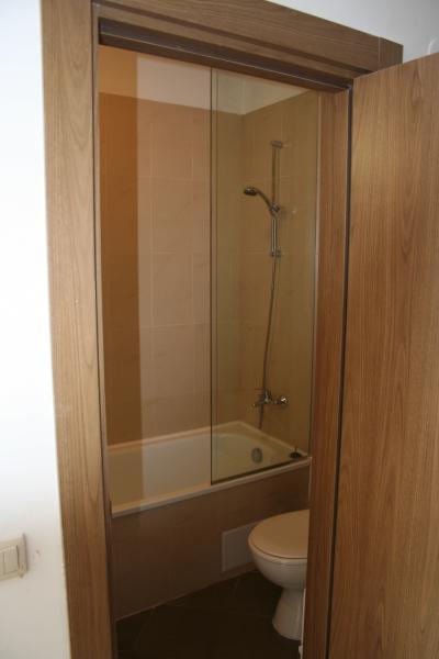 En-suite family bathroom