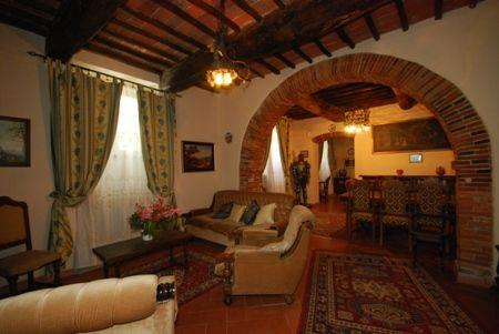 Beautiful XVII century Villa Torrecini, holiday rental in Mercatale Valdarno