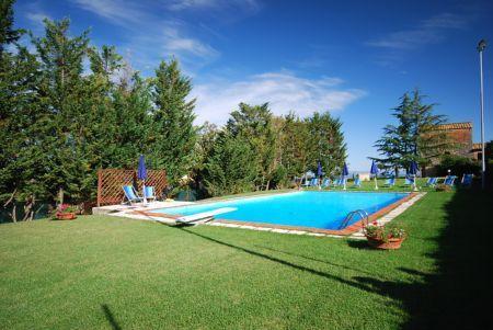 Magnificent Villa Le Torri, holiday rental in San Gimignano