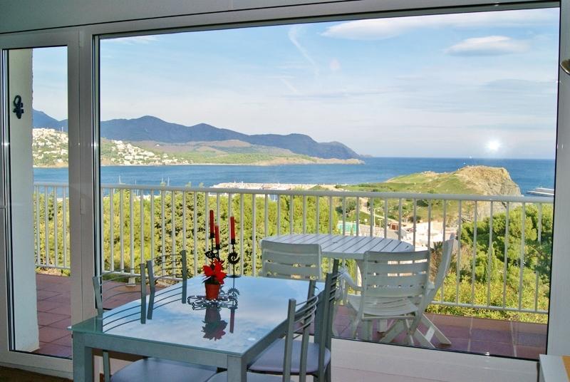 Appartement SUPERBE vue mer Llança Costa Brava, Ferienwohnung in Llanca