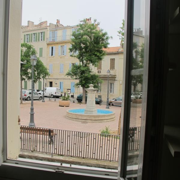 la vue sur la place des Moulins