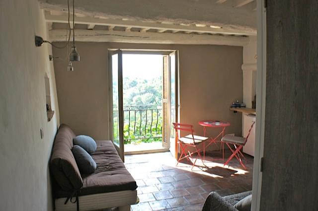 studio indépendant dans le village du haut de Cagnes