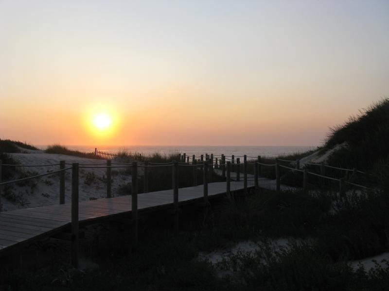 Pôr do sol na praia da Amorosa