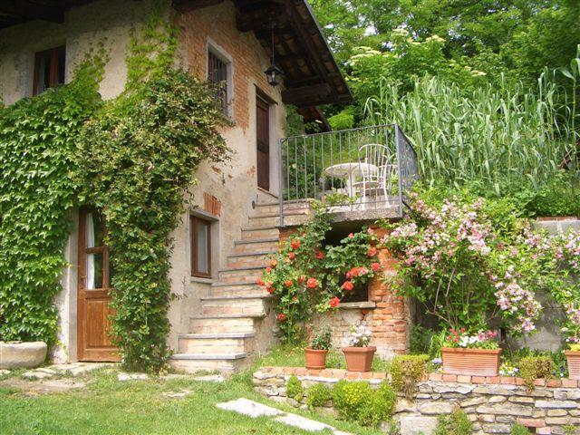 romantisches Ofenhaus, holiday rental in Dogliani