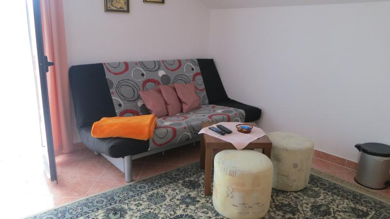 Apartment Miro for 4 people, vacation rental in Soline