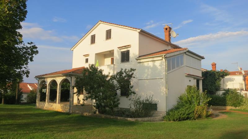 House exterior-Garden view