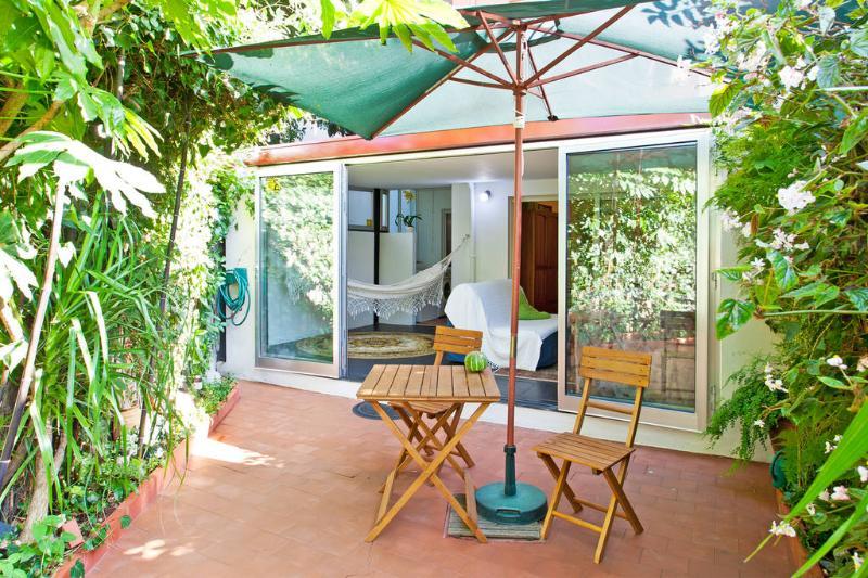 Two rooms  flat unique with private garden, Porto center, location de vacances à Maia