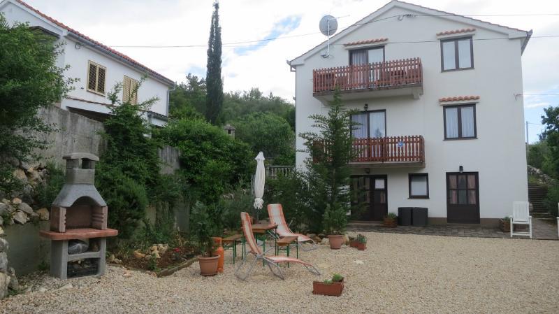 Studio Miro 4, vacation rental in Soline
