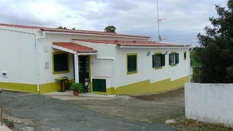 The Sunset House with nice view, holiday rental in Minas de Sao Domingos