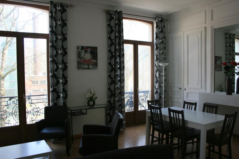 Appartement hyper centre Lille avec parking privé, location de vacances à Lille