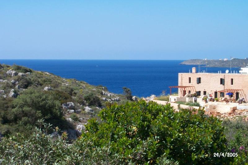 Alexis - lovely and comfortable, beautiful view, location de vacances à Kalathas