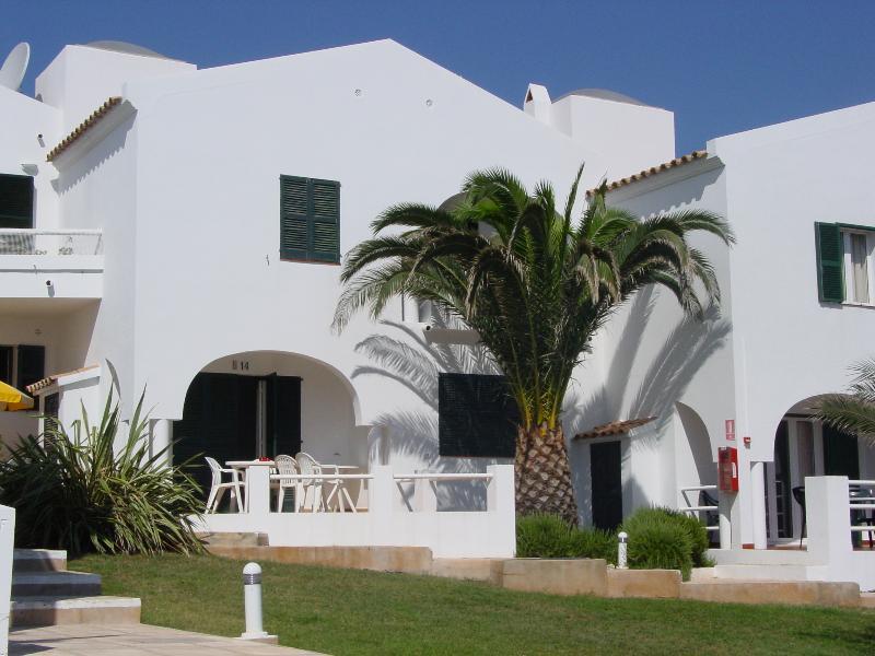 Casa pareada Puerto de Addaia, Menorca, location de vacances à Es Grau