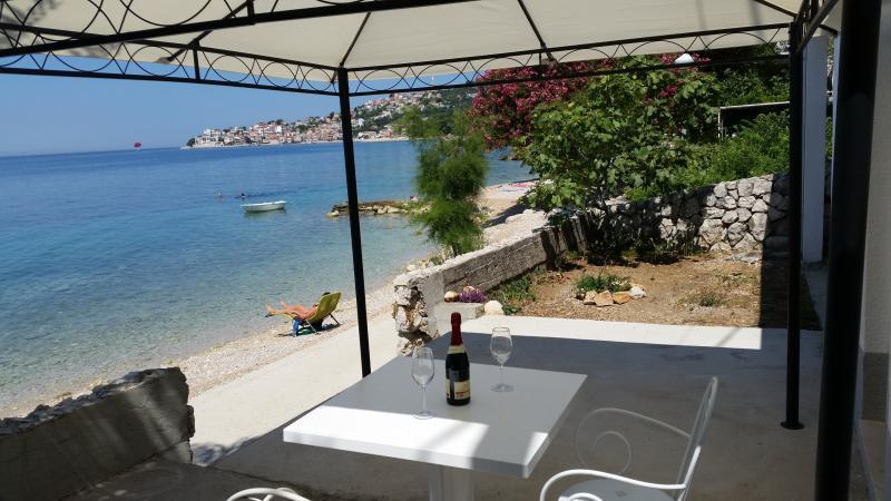 Holiday Beach apartment, location de vacances à Zivogosce