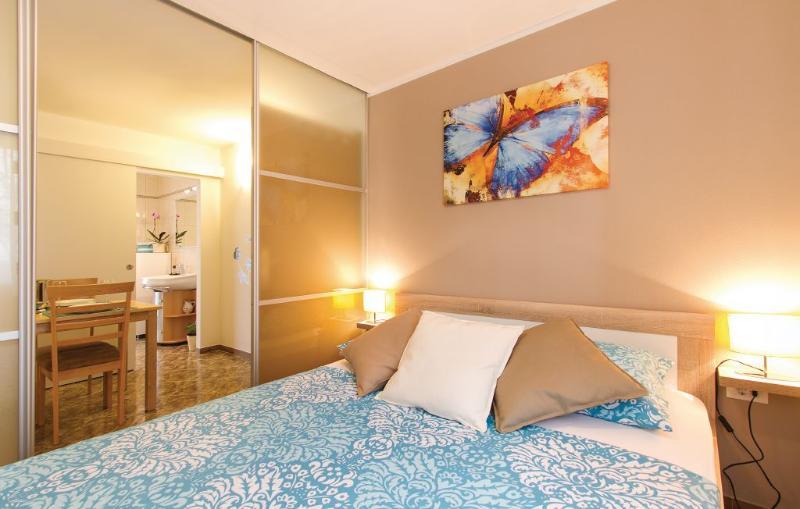 Apartmani mareas 2, vacation rental in Brajkovici