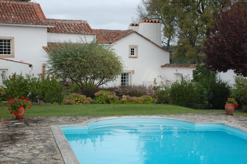 Óbidos -  Vila 6/7 Pax, Piscina e Jardim privado, holiday rental in Rio Maior