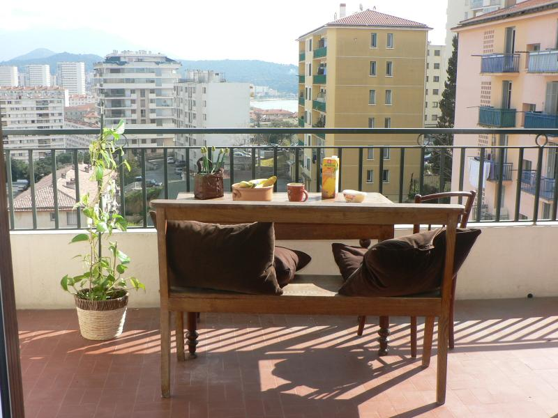 F4 Plein Sud 3 chambres privées, vacation rental in Villanova