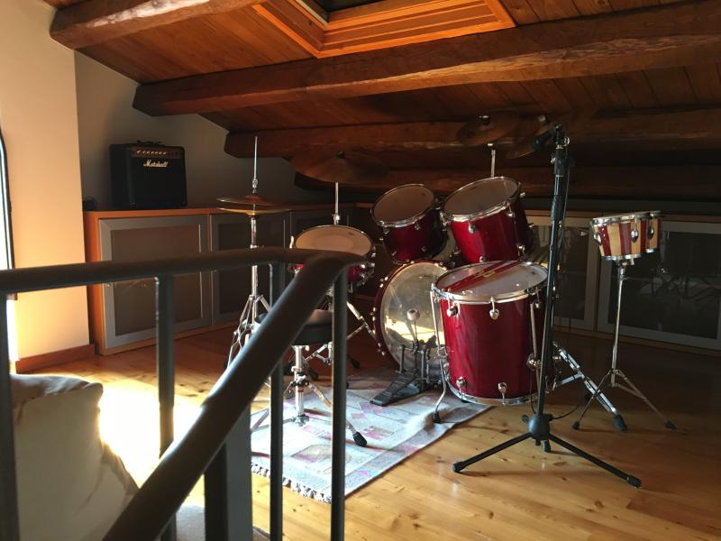 Mezzanine 1 - Guitars, keyboard and drums for some musical fun