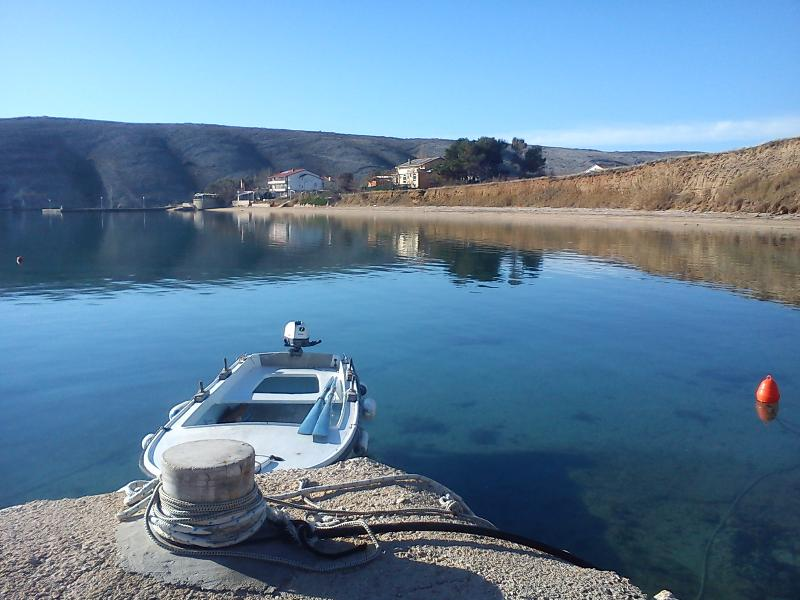 Island of Pag-Vlasici -little heaven on Earth- AP4, casa vacanza a Vlasici